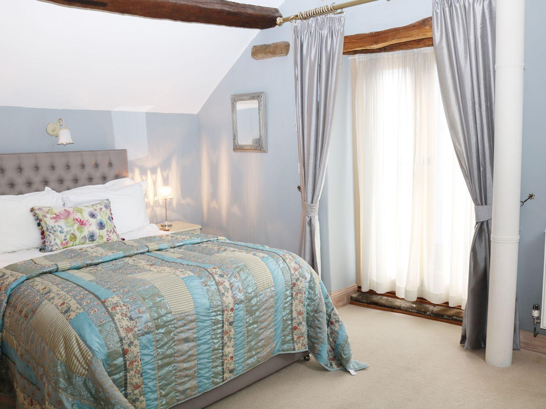 Bedrooms 6